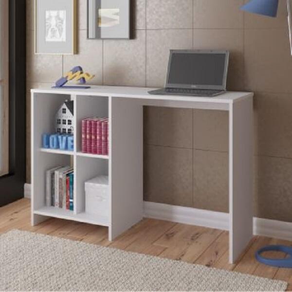 Escrivaninha branca com nichos
