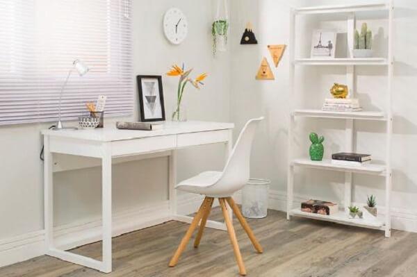 Escrivaninha branca home office