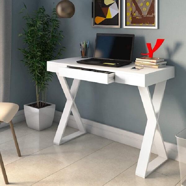 Escrivaninha branca quarto pequeno