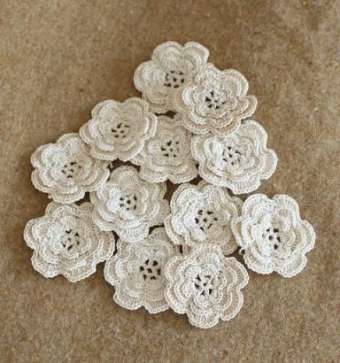Flor de crochê branca