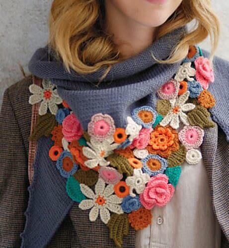 Flor de crochê em cachecol