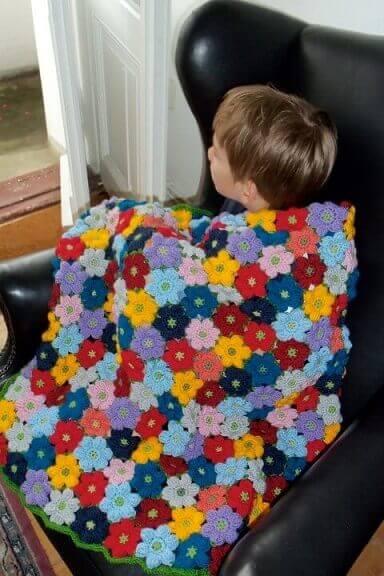 Flores de crochê em manta