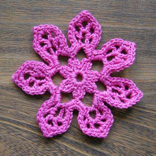 Flores de crochê rosa
