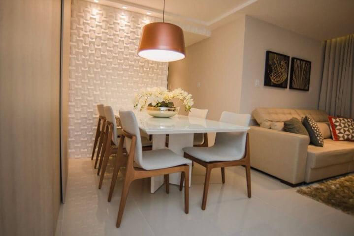 Revestimento de parede 3D branco em sala moderna Projeto de Andrea Fonseca