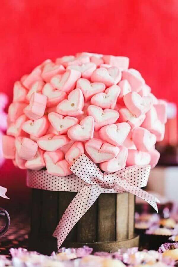 arranjo com mashmallow em formato de coração