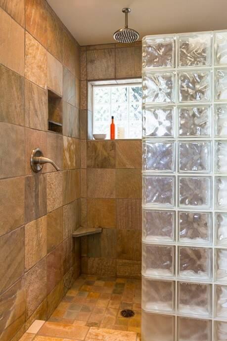 blocos de vidro banheiro meio box