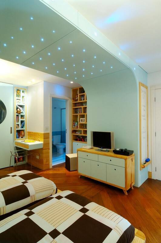 carpete de madeira quarto de menino com led maria claudia nassar 37052