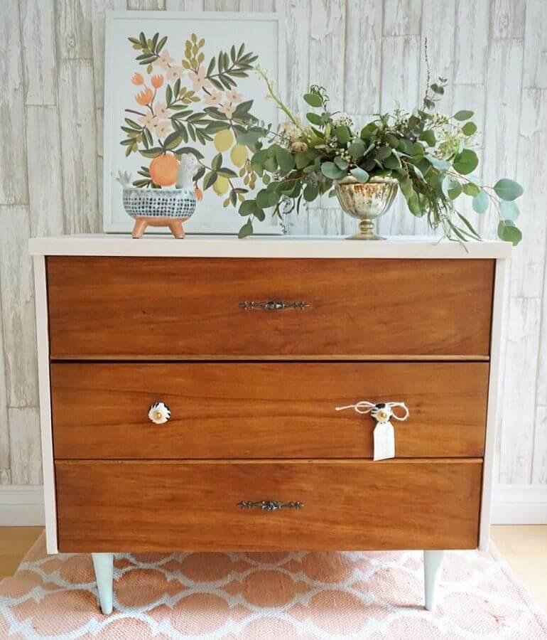 decoração cômoda de madeira estilo retrô Foto Paint That Pretty
