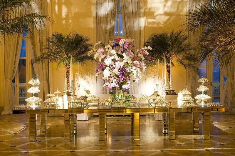 decoração de casamento arranjo de mesa dourada Léo Shehtman