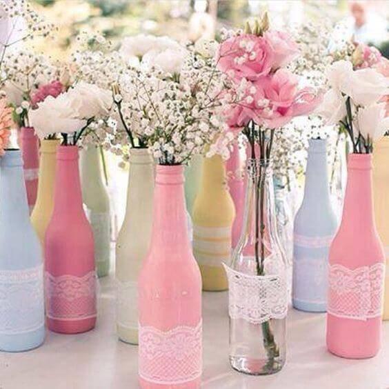 decoração de casamento garrafas coloridas