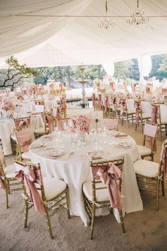 decoração de casamento mesa de convidados rosa cha