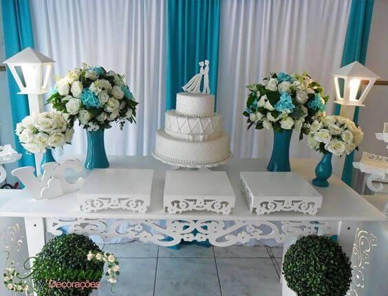 decoração de casamento mesa do bolo azul
