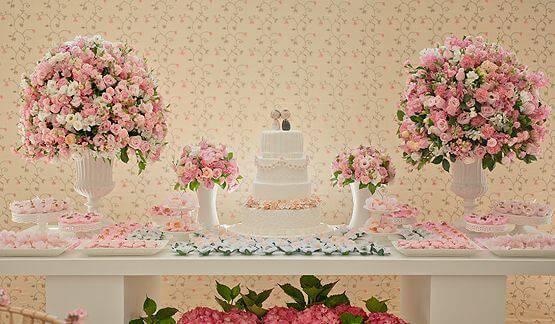 decoração de casamento mesa do bolo rosa
