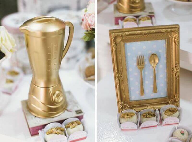 decoração de chá de cozinha dourado
