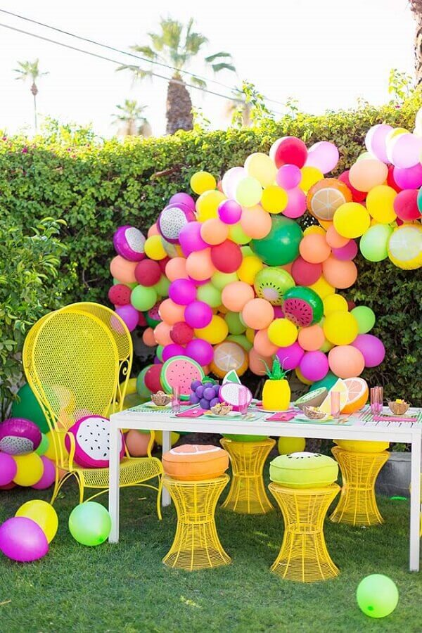 decoração de festa infantil com balões coloridos Foto Decoratorist