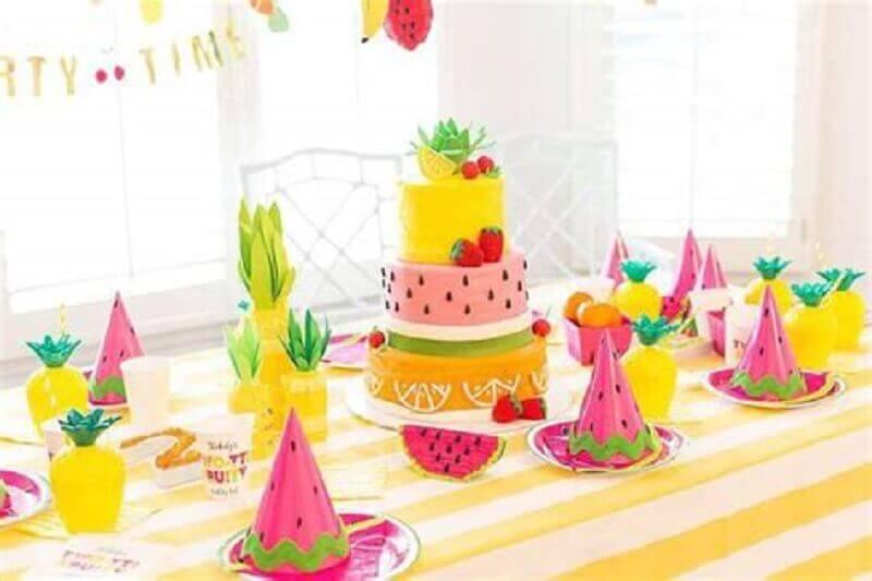 decoração de festa infantil com tema frutas Foto Metropoles