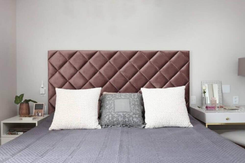 decoração quarto de casal com cabeceira de veludo para cama de casal