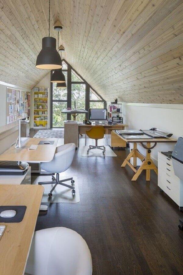 decoração simples com móveis para escritório Foto ArchDaily