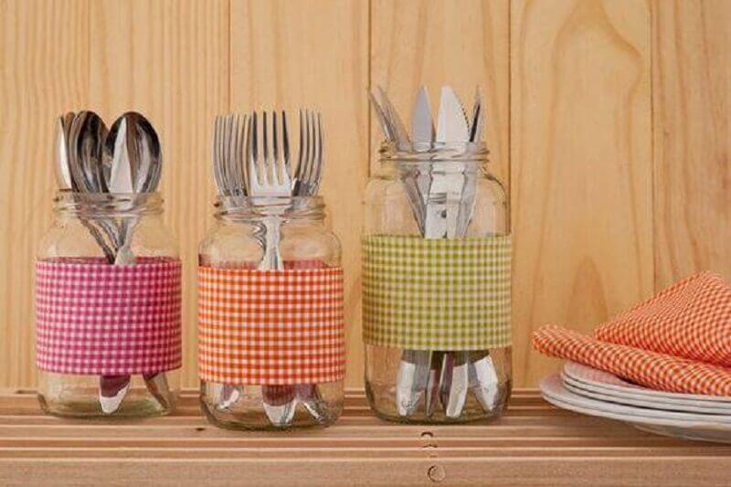 decoração simples para chá de panela com potes de vidro