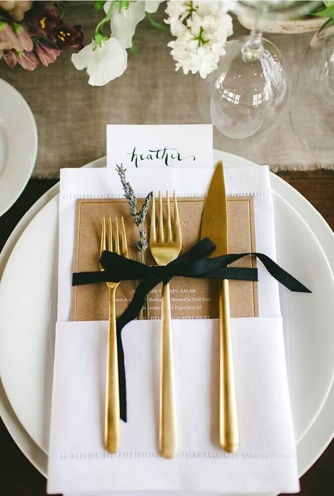 decoração sofisticada para mesa de dia dos pais
