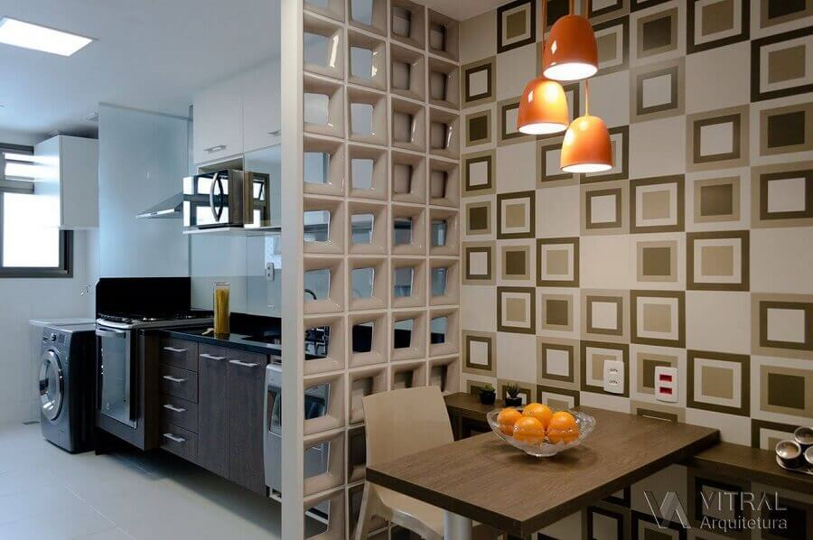 divisão de cozinha com sala de jantar com cobogó cerâmico Foto Vitral Arquitetura