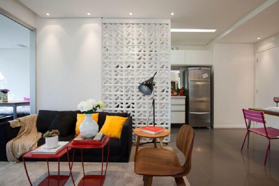 divisória de cobogó para decoração de apartamento com ambientes integrados Foto Blog da Arquiteta