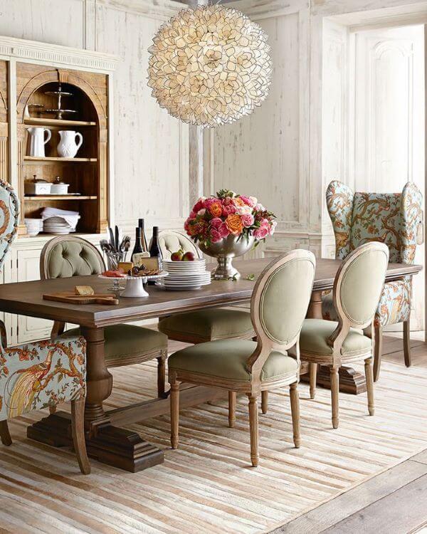 Enfeite de mesa clássica e sofisticada