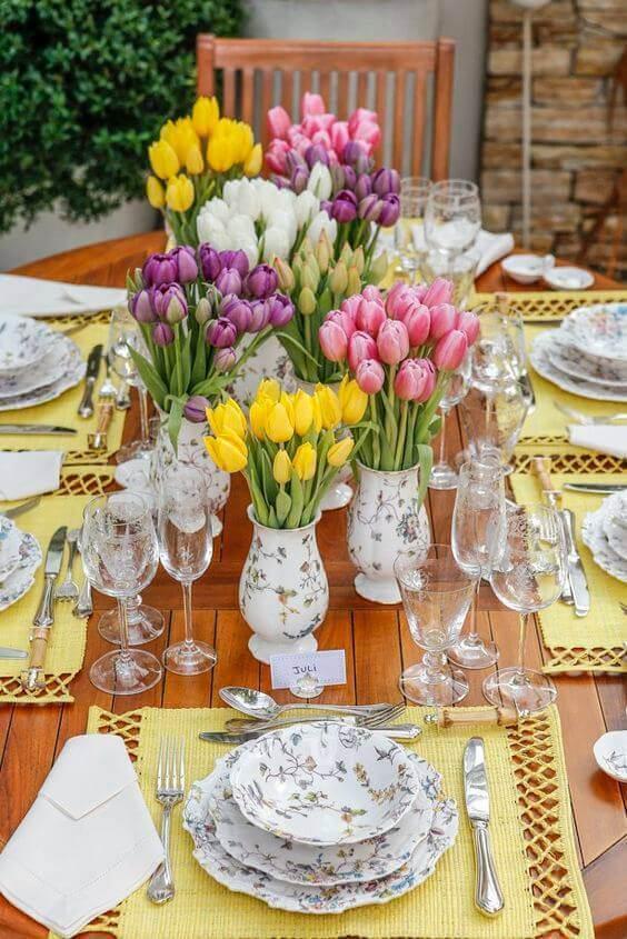 enfeites de mesa de tulipas