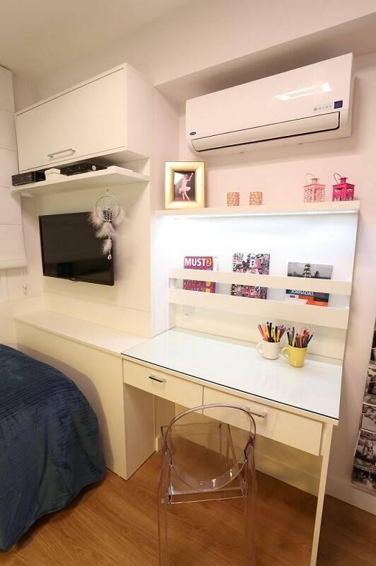 escrivaninha branca com vidro quarto de menina bia muniz 35081