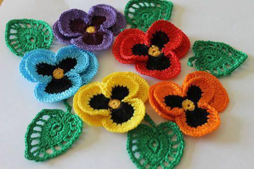 flores de croche coloridas toalha-min