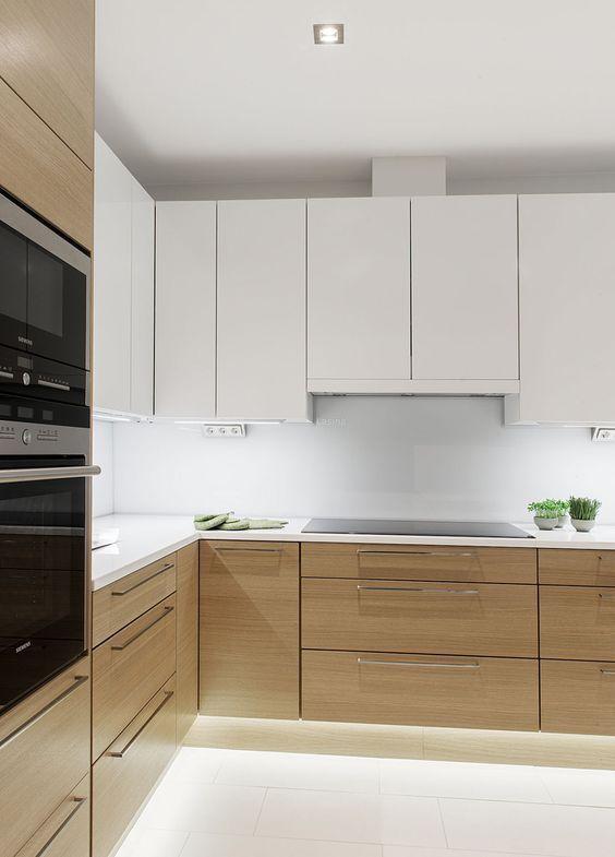 gabinete de cozinha - ambiente com decoração clean e gabinete com LED