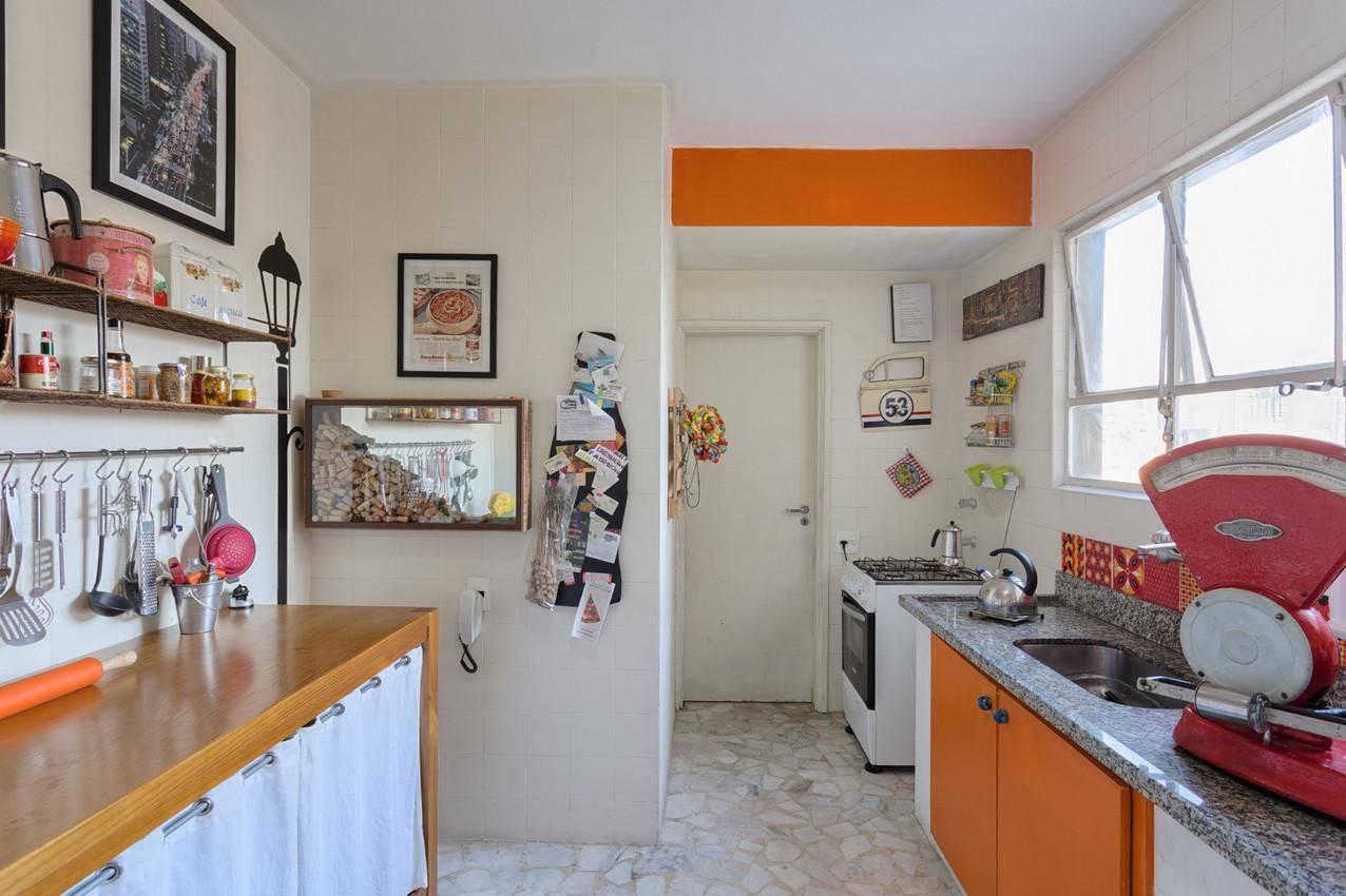 gabinete de cozinha colorido com azulejos matteo gavazzi 27554