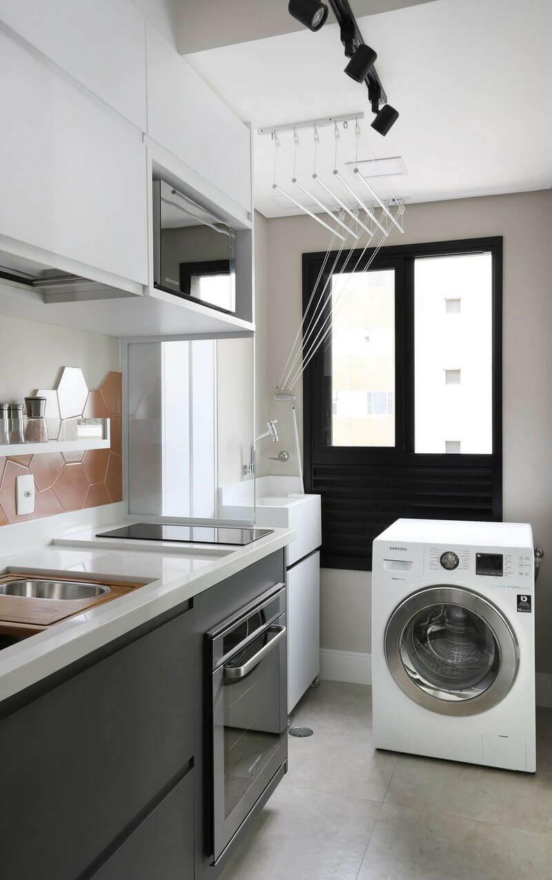 gabinete de cozinha - prateleira de madeira branca e gabinete cinza