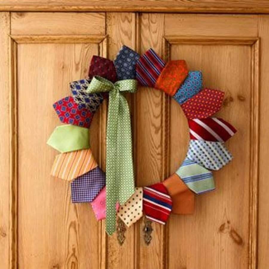guirlanda de gravatas para decoração de dia dos pais