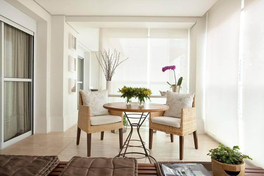 mesa de madeira varanda gourmet com vasos liliana zenaro 13615
