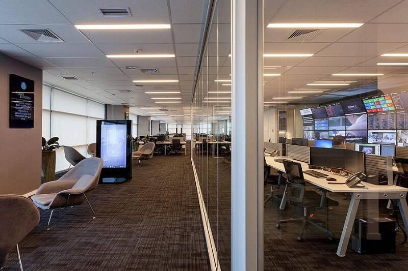 moveis para escritorio divisorias de vidro tria arquitetura 85451