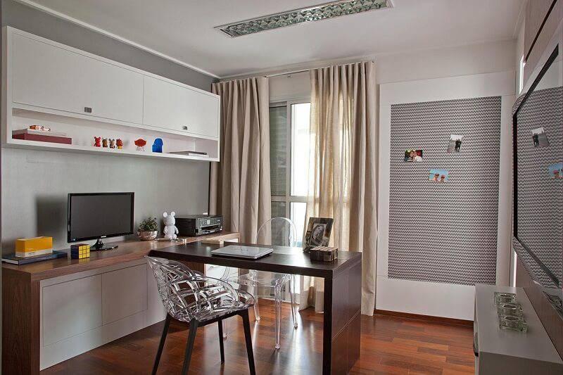 moveis planejados home office madeira e preto patricia kolanian 513