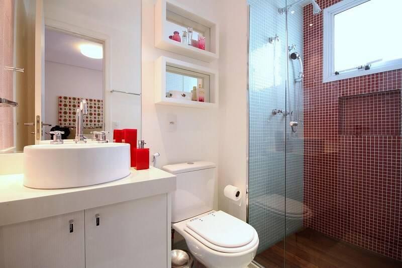 Pastilhas de Vidro 41 Maneiras de Deixar os Ambientes Mais Modernos -> Banheiro Com Duas Faixas De Pastilha