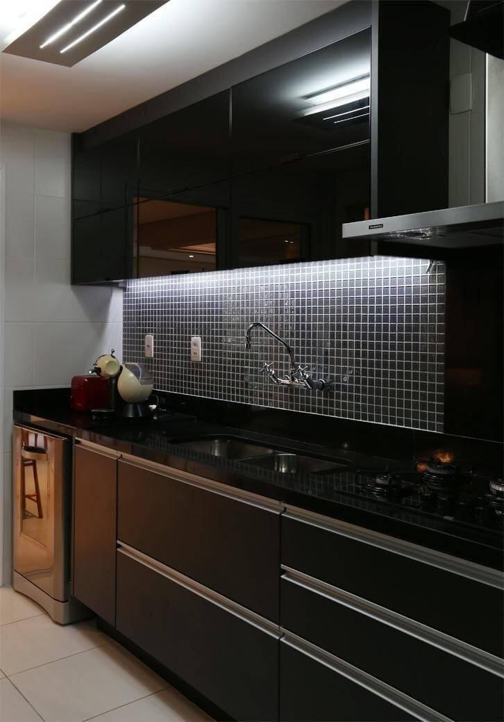 pastilhas de vidro cozinha preta betania pacheco 125349