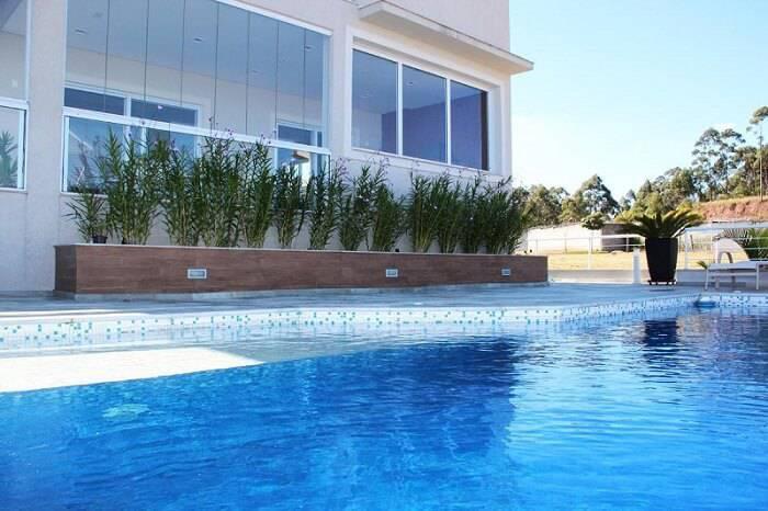 pastilhas de vidro piscina branca e azul leonice alves 46780
