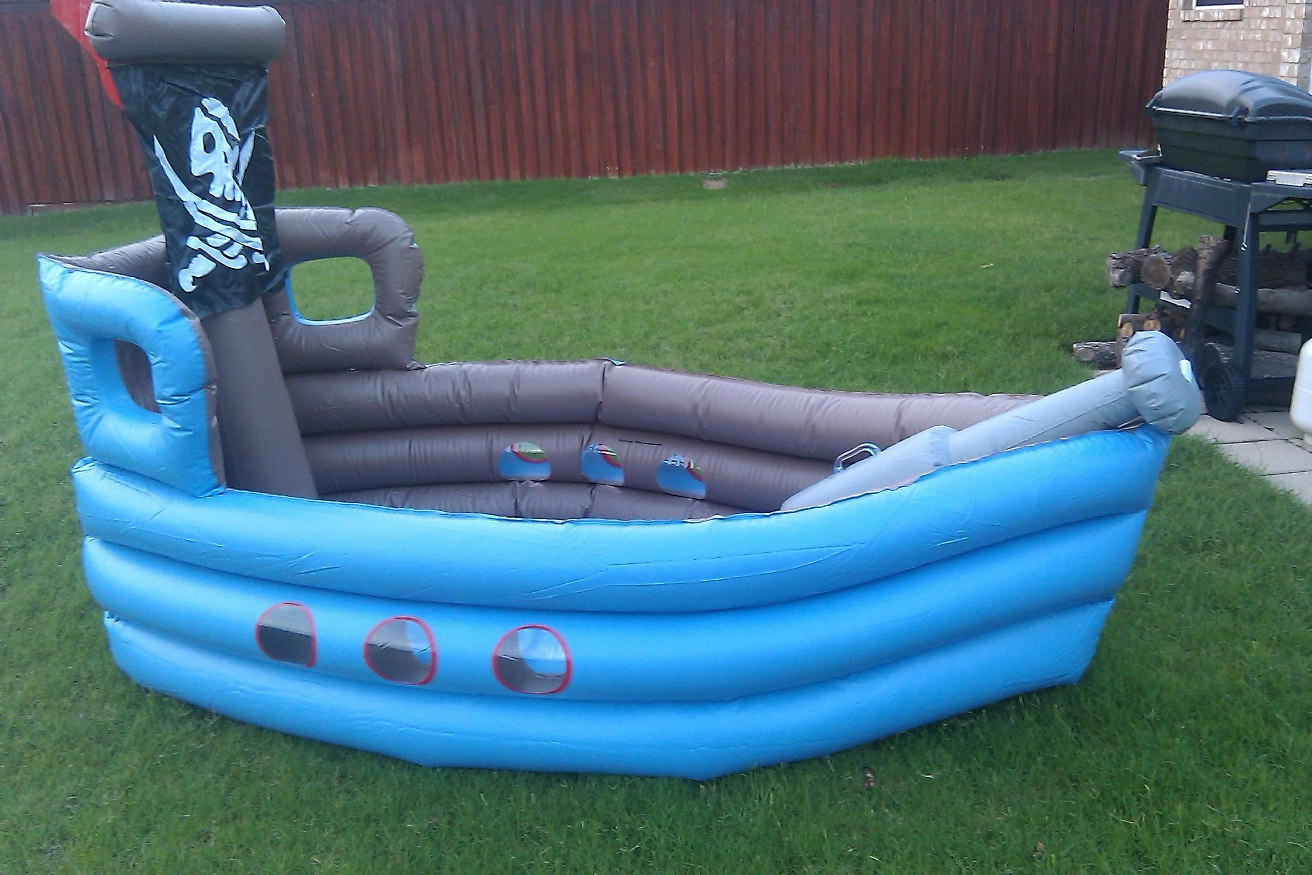piscina inflavel de barco-min
