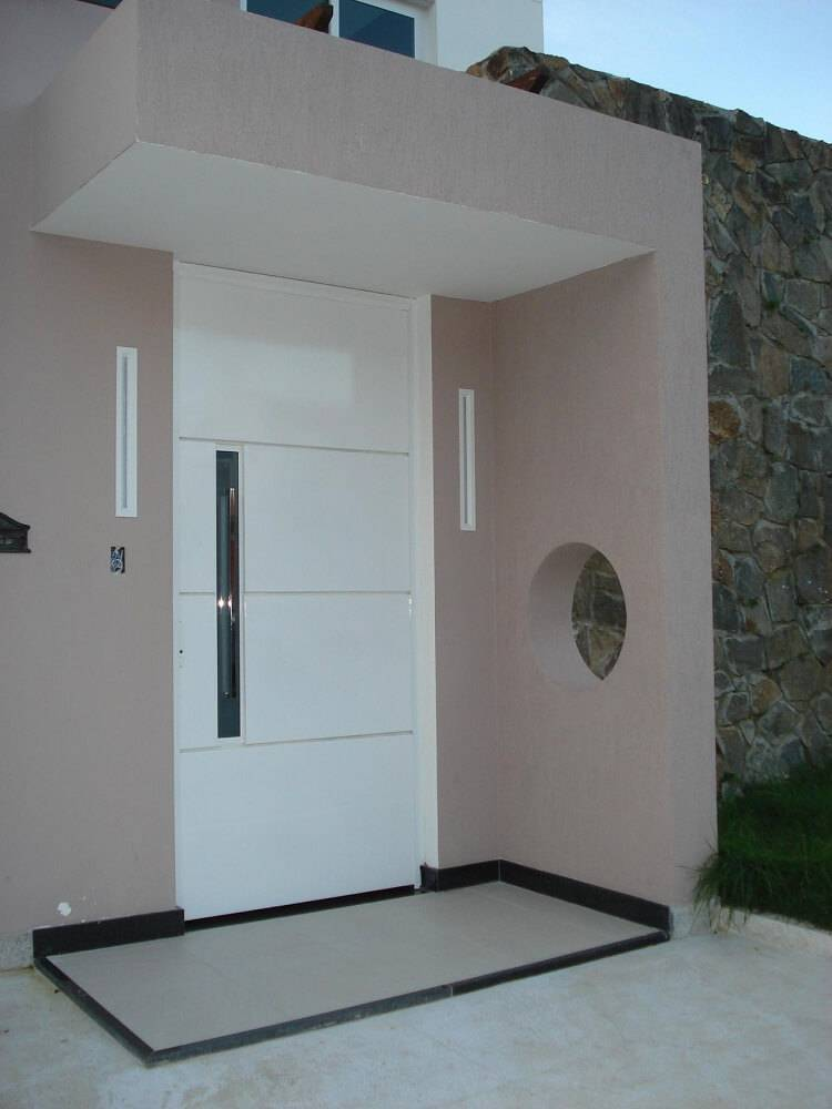portas de madeira entrada branca com frisos daiane guerreiro 33045