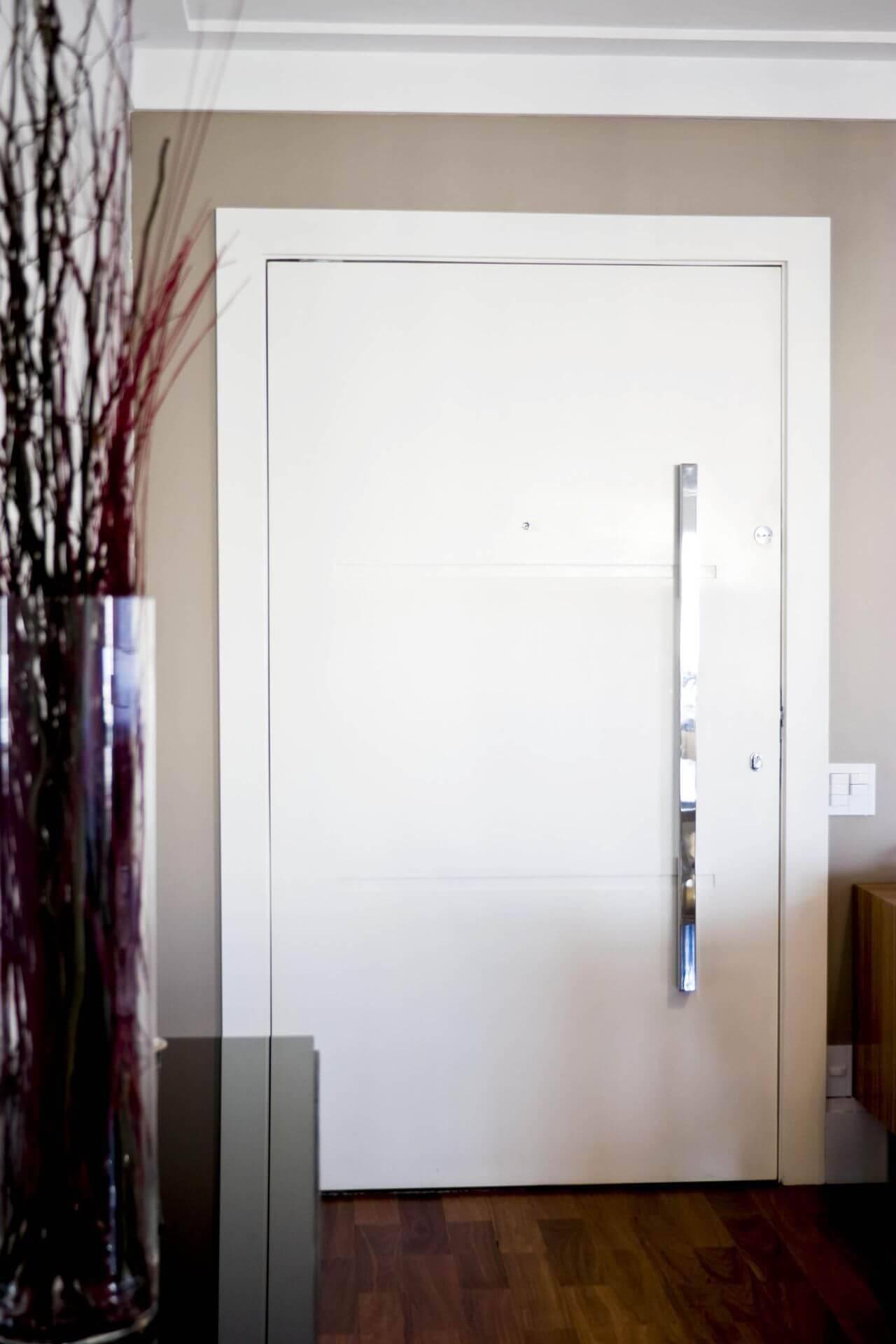 portas de madeira hall de entrada com friso patricia kolanian 488