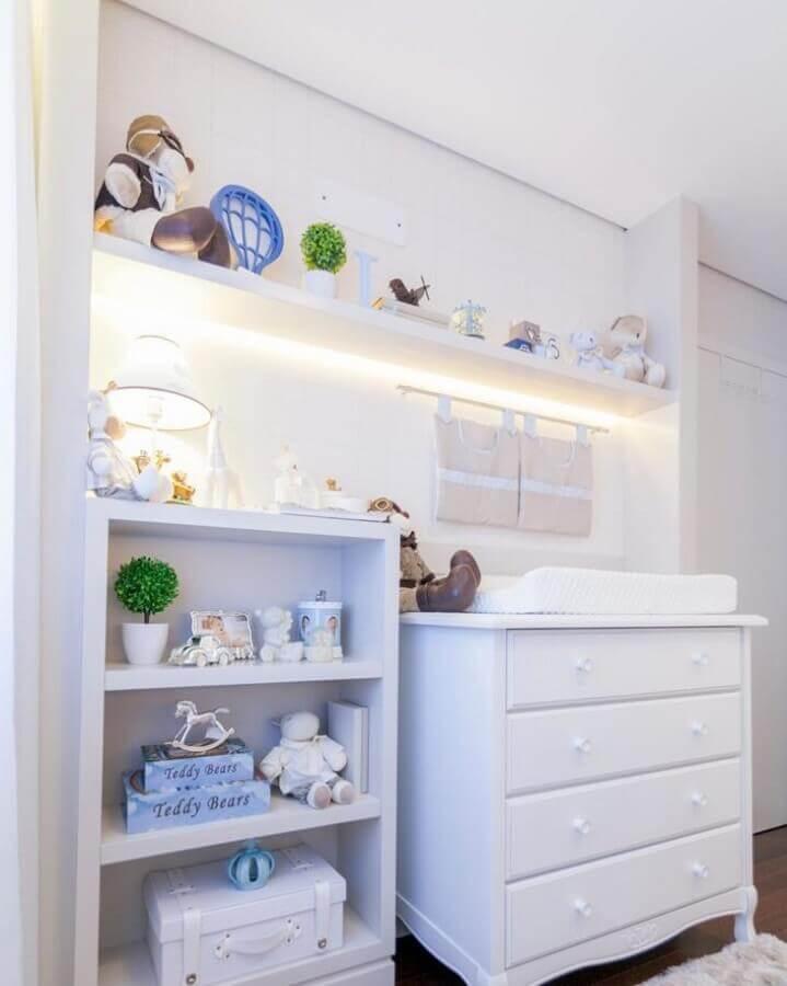 quarto de bebê com cômoda branca com trocador Foto Kids Arquitetura