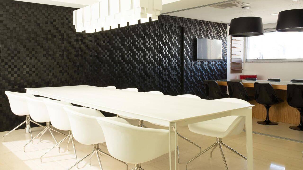 revestimento de parede pastilhas pretas sala de jantar mutabile arquitetura 11689