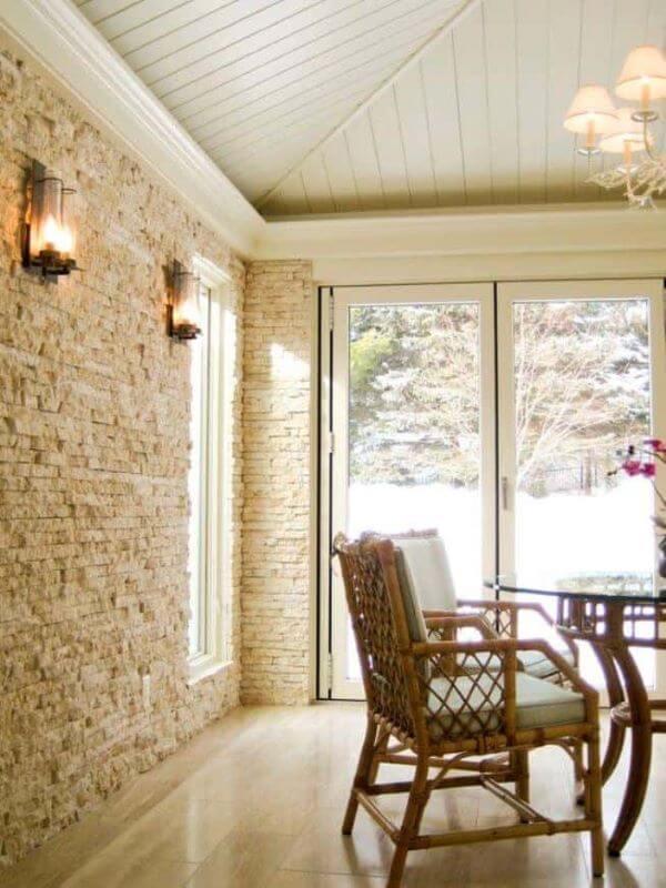 Sala de jantar com pedra canjiquinha