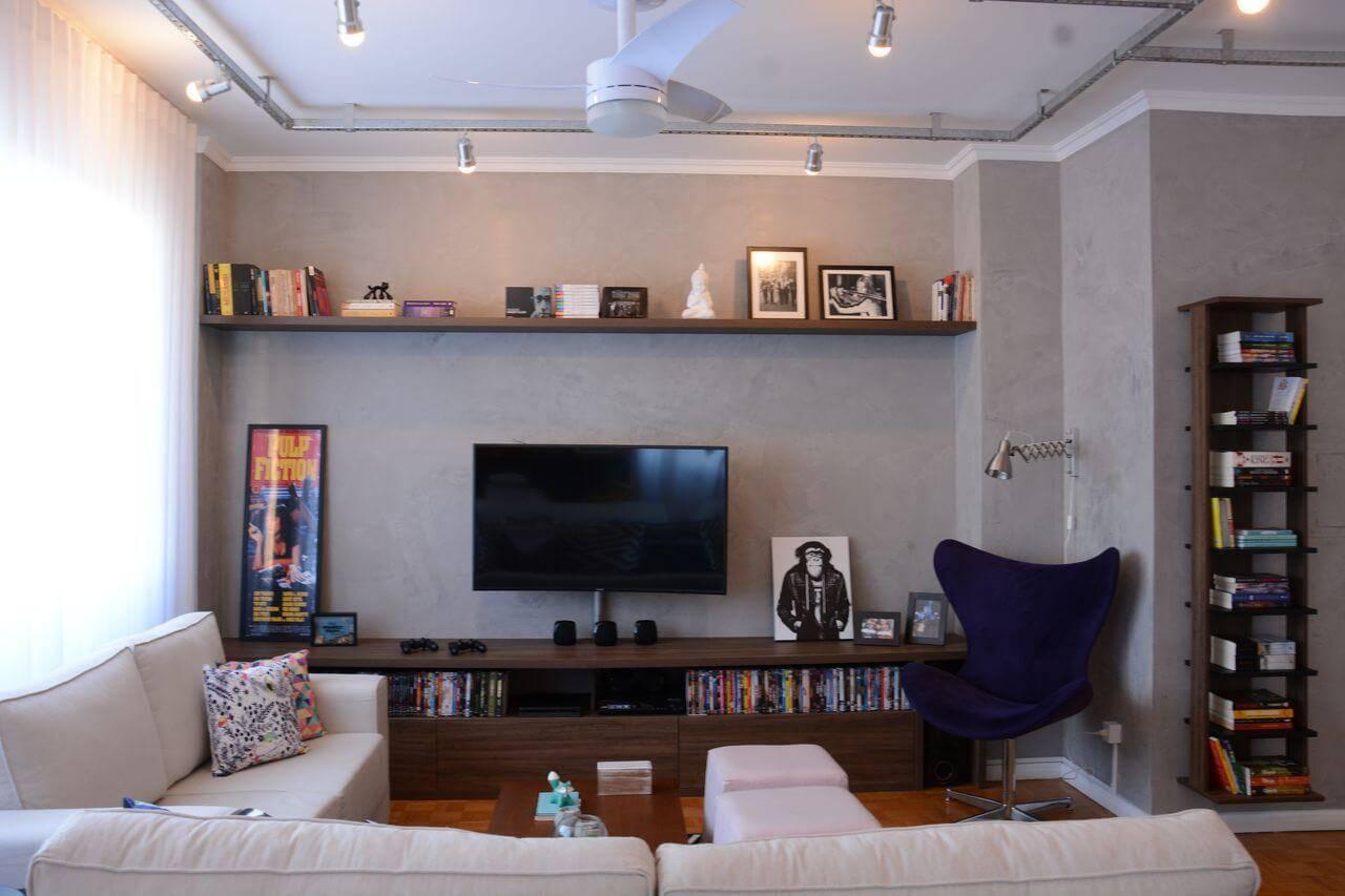 Rack para sala de estar com madeira escura