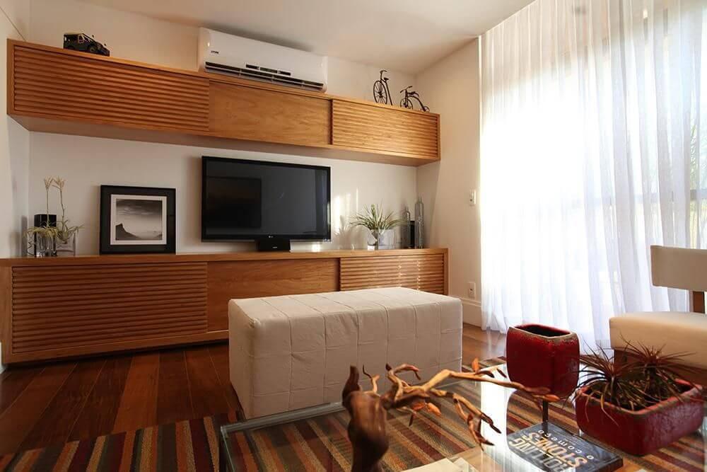 Rack para sala de estar em madeira