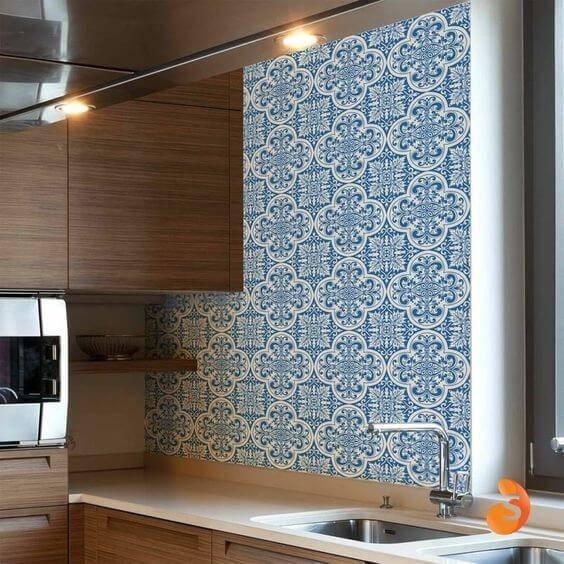 Azulejo portugu s 48 inspira es para decorar com estilo for Azulejo para pared de sala