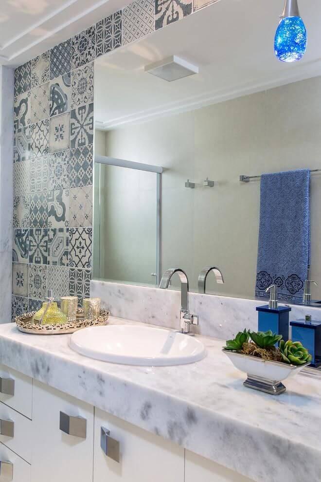 azulejo portugues banheiro com espelho bruno sgrillo 88474